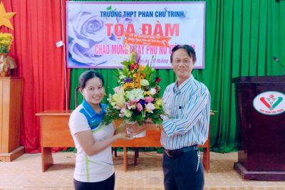 Công đoàn Trường THPT Phan Chu Trinh tổ chức lễ kỉ niệm ngày phụ nữ Việt Nam 20.10