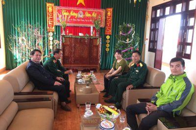 Trường THPT Phan Chu Trinh thăm và tặng quà buôn kết nghĩa Ariêng B, Trung đoàn 66 nhân dịp tết Kỷ Hợi – 2019