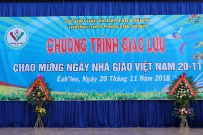 Trường THPT Phan Chu Trinh Tổ chức chương trình giao lưu chào mừng ngày Nhà giáo Việt Nam 20-11