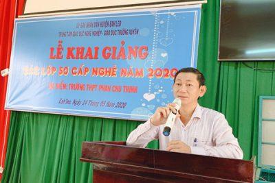 Khai giảng các lớp dạy nghề sơ cấp miễn phí của TTGDNN-GDTX Ea H'leo tại Trường THPT Phan Chu Trinh